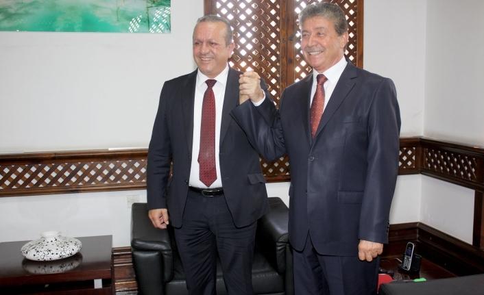 Turizm ve Çevre Bakanı Ünal Üstel, görevini  Fikri Ataoğlu'ndan devraldı