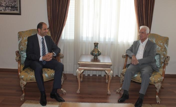 Özersay Eroğlu ve Arıklı'yla Maraş konusunu görüştü