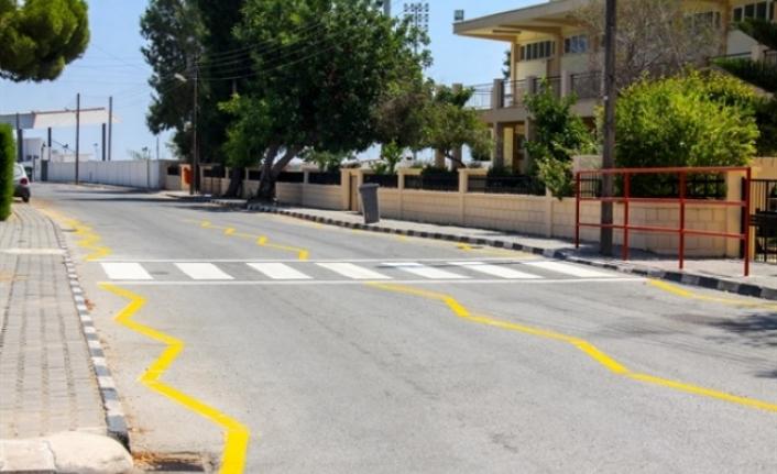 İskele Belediyesi, yol çizgilerinin yeniledi