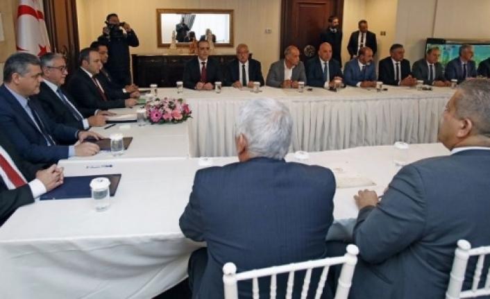 Cumhurbaşkanı Akıncı belediye başkanlarını bilgilendirdi